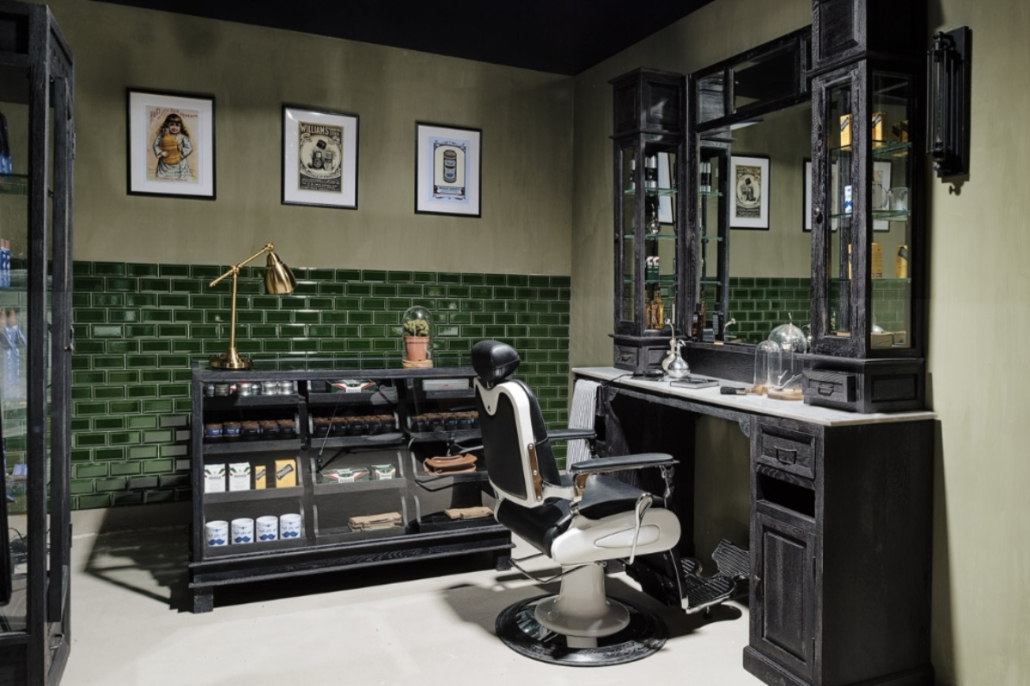 Barberstation | Black | Classic barberfurniture | Grooming salon interior | Shaving station | Barbershop