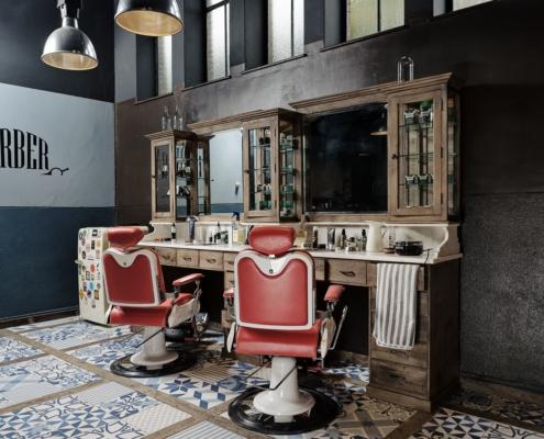 Vintage barberstation | barber furniture | Old school barberinterior | Salon furniture