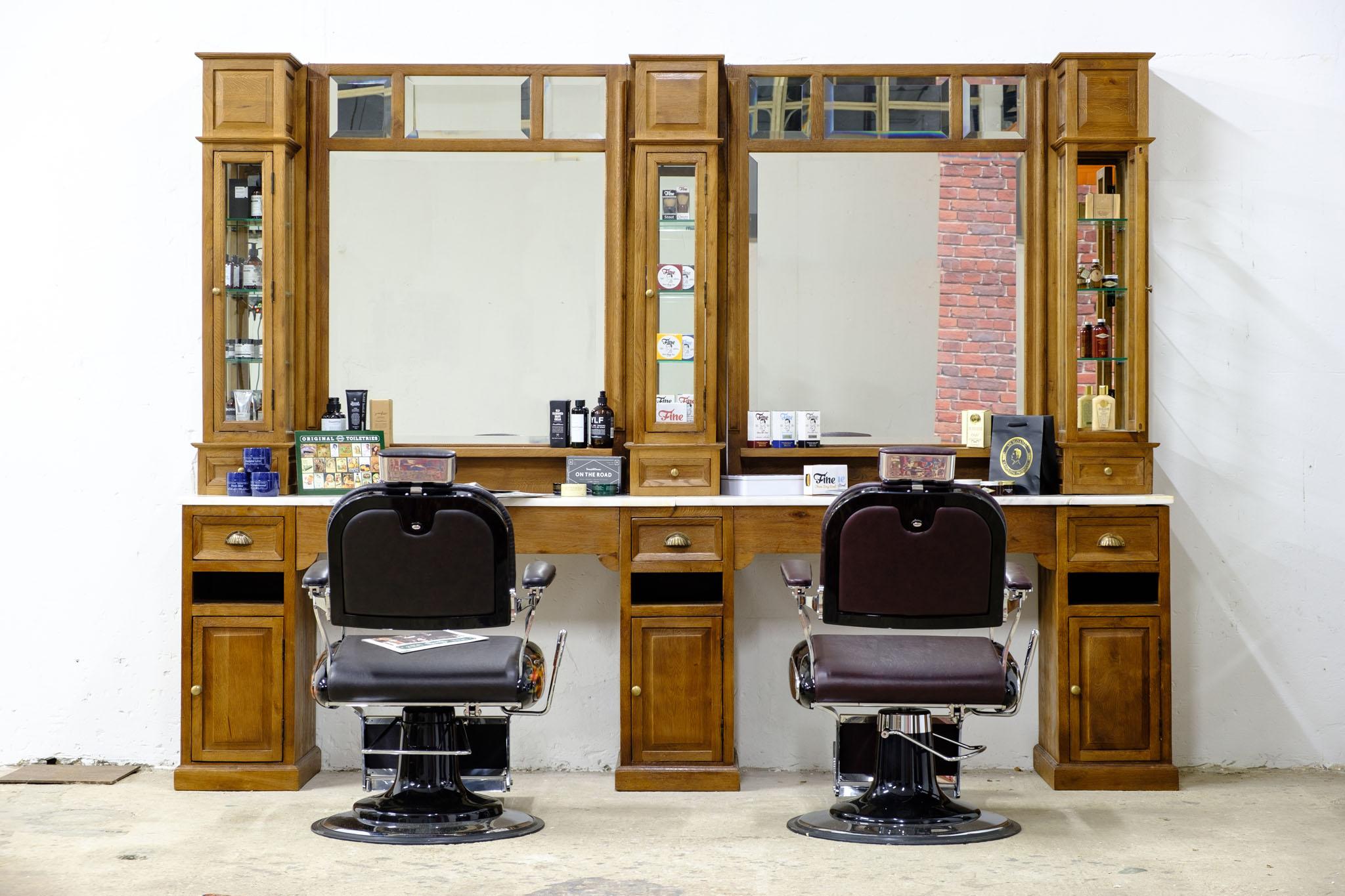 Barberunit   Barberfurniture   Barbershop interior   Worldwide delivery   Classic barberstations