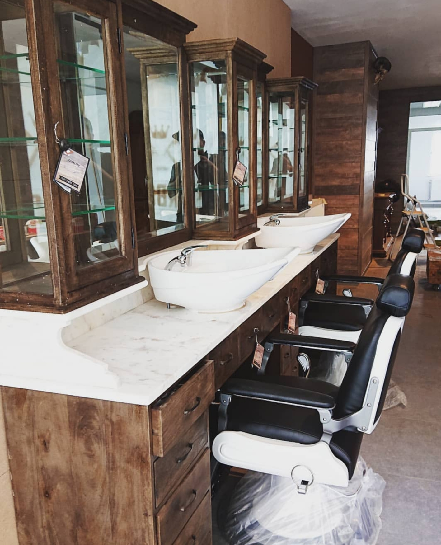 Barberstation   Vintage   Barberchairs   High quality   Stunning barber furniture   Handcrafted with pride