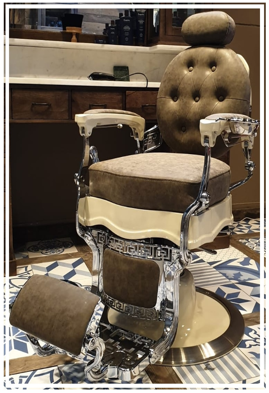 Barberchair | Creme Green | Royal | Antique barber chair | Barberfurniture